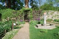 giardino1_20120402044545.__320_0