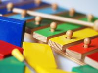 Kinderinstrument und Bausteine